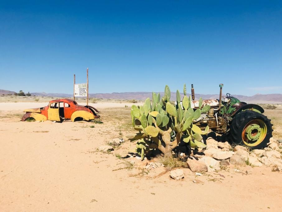 Roadtrip through Namibia Sossusvlei Desert Solitaire